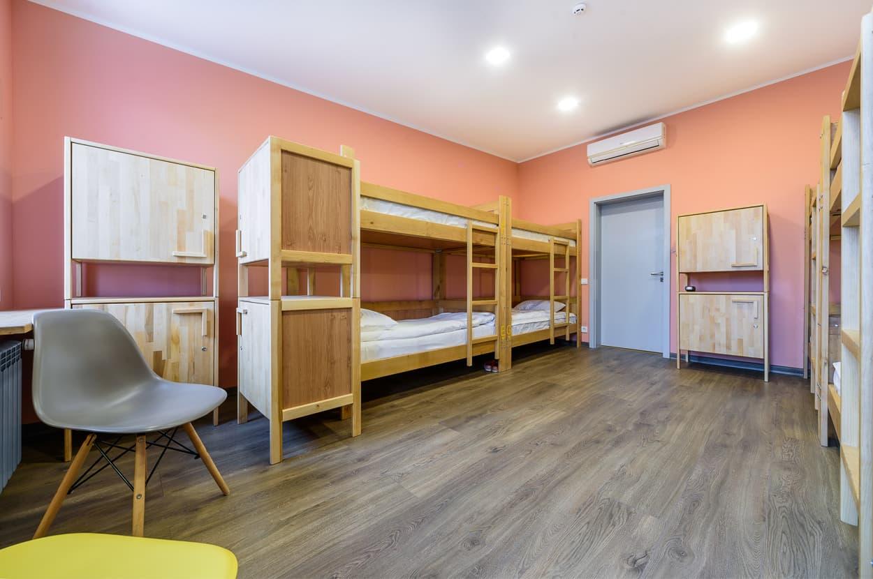 Цена хостела за комнату женская 8-ми местная